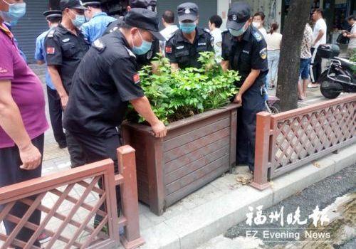 福州台江多部门联合整治广达路沿线 重点治理占道经营等