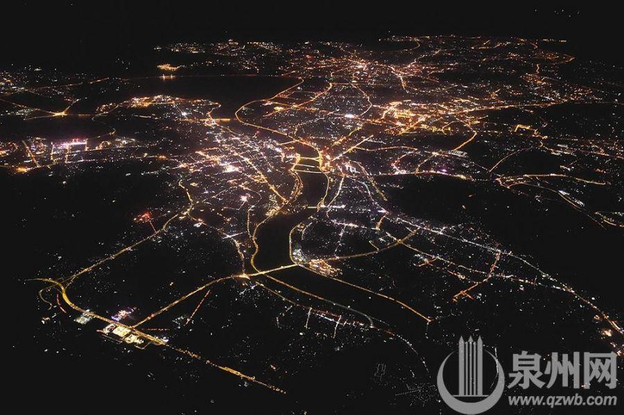 航拍泉州夜景(蔡圣相 摄)