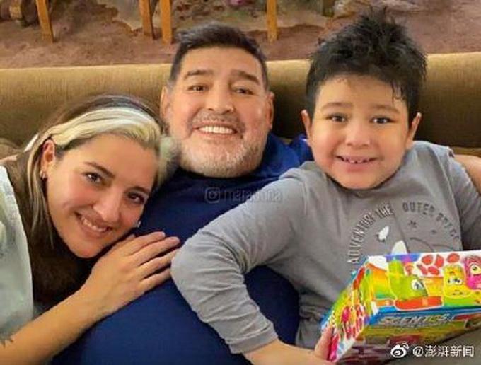 马拉多纳生前最后语音曝光,嘱咐前妻现任男友:照顾好她和我儿子