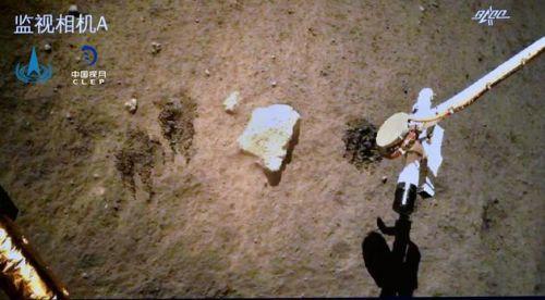 """嫦娥五號完成月面自動采樣封裝 嫦娥五號月面""""挖土""""視頻畫面"""