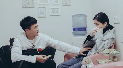 杜淳陪妻子做產檢貼心安撫 看寶寶B超照父愛十足