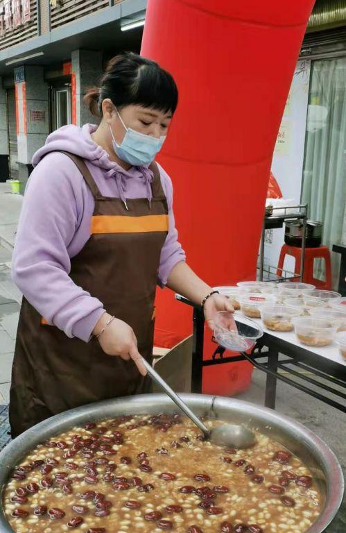 """""""有福之粥,共享健康""""拗九节志愿者服务活动在福州举办"""