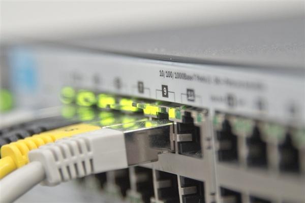 华为、联通合力帮格力换网:5G手机到内网时延仅9ms